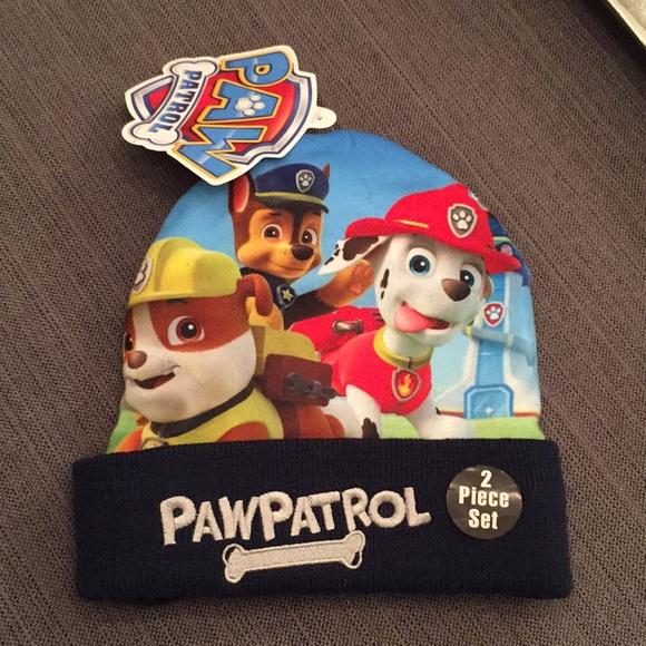 b9a06dacb1b6e NWT Paw Patrol hat and gloves!